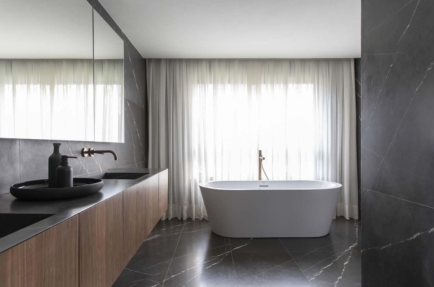 Bagno con vasca: tutto ciò che devi sapere prima di volerla