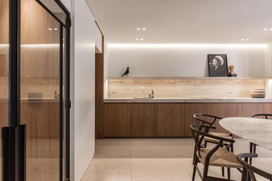 Cucina in legno massello moderna