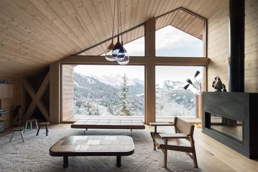 interni di una casa di montagna