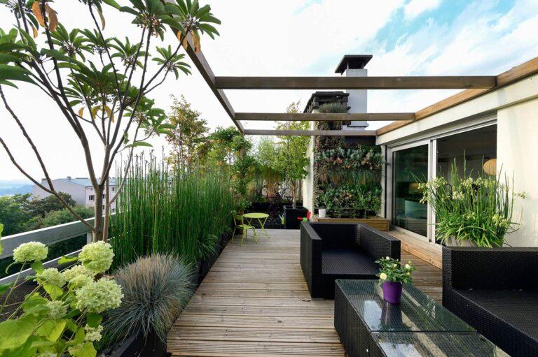 Come arredare un terrazzo moderno: le mosse vincenti